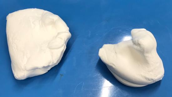 紙粘土と芯材を使ったふうりんの作り方|粘土を取り分ける